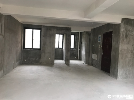 出售越溪乡住宅 非小区 2室1厅1卫63平米42万住宅