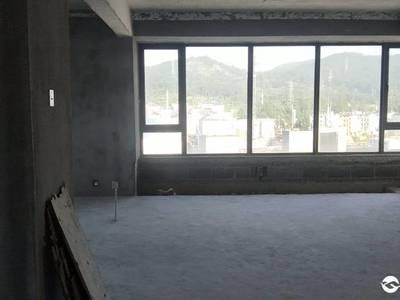 曙光中央广场3室1厅1卫119平米带车位189万住宅