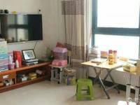 出售汇景嘉园精装修复式套房3室1厅1卫住宅