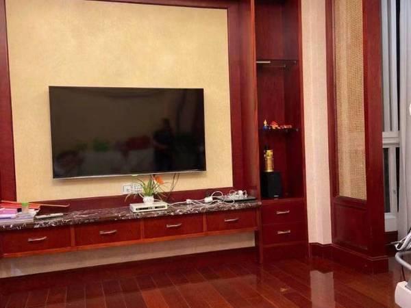 出售华山花园 143平米 36平方车库 储藏室 188万 灿头 全实木装修