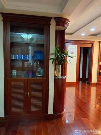 出售华山花园 143平米 36平车库 储藏室 188万 全实木装修