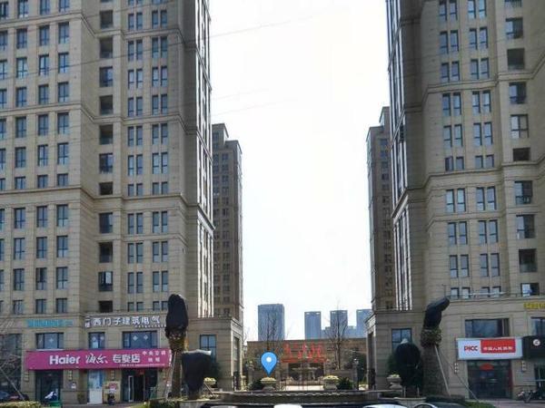 出售紫金花园4室2厅2卫135平米270万住宅