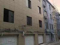 出售坦坑家园4室2厅3卫一间四层半落地房,兴海菜场南大门对面,学校医院都比较近