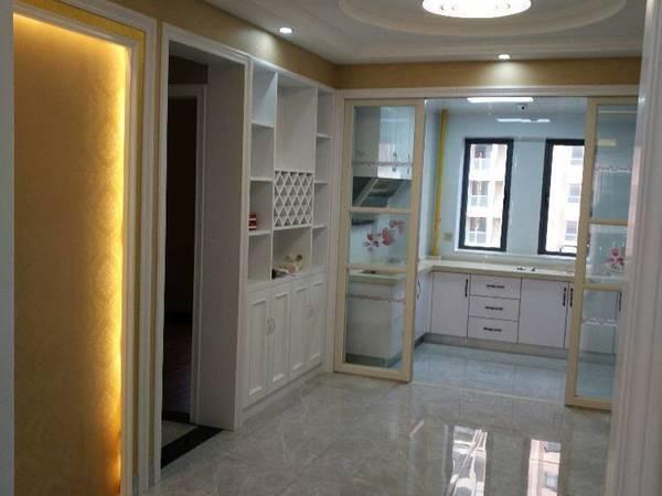出售天明花园4室2厅2卫140.2平米195万住宅