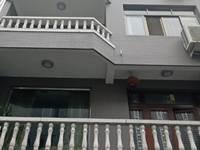 出售杜鹃巷2间落地6室2厅3卫300平米360万住宅
