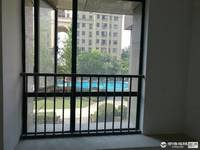 出售金色华府一期二楼3室2厅2卫137平米 107万,车位5万另加诚心可谈