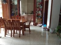 出售华山嘉园3室2厅2卫139平米146万住宅