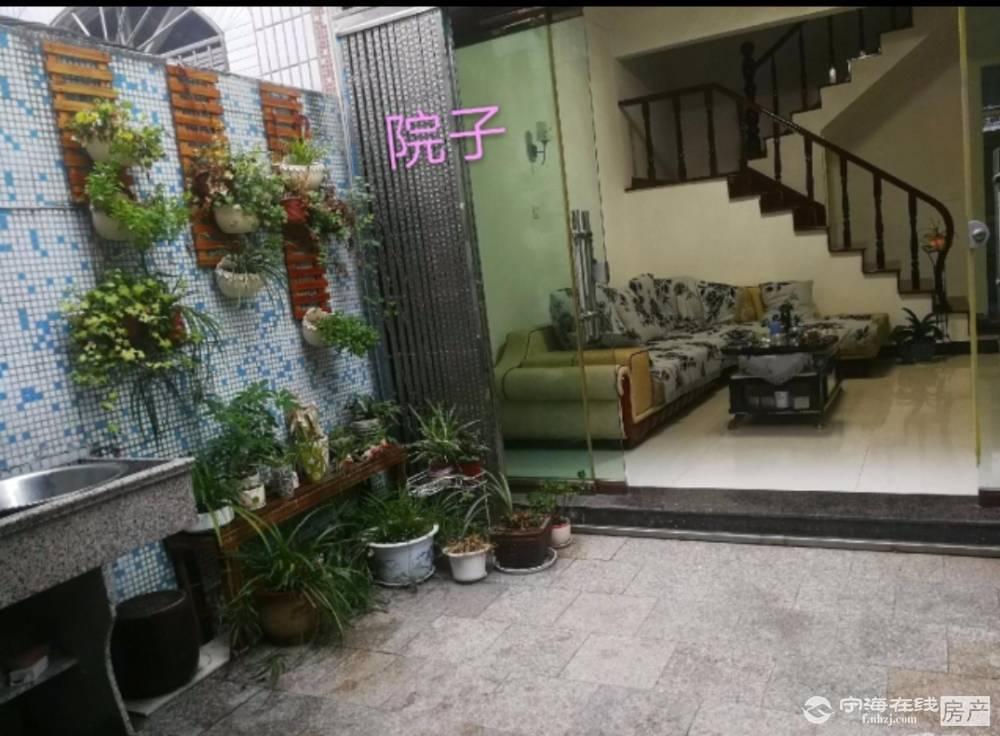 换房降价急售,淮河路一幢3层半落地房,111平方,售166万