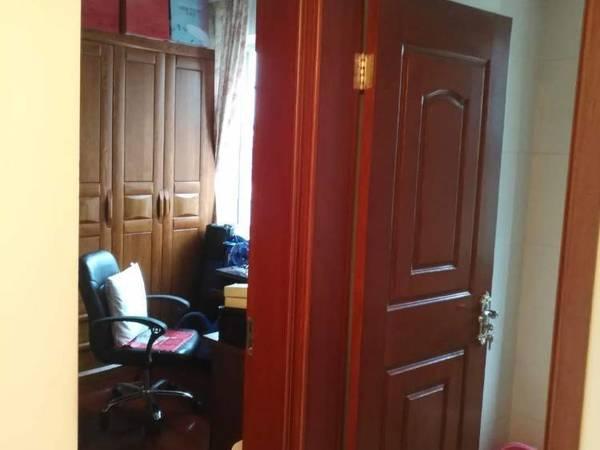 出售四季桃源3室2厅1卫114平米152万住宅