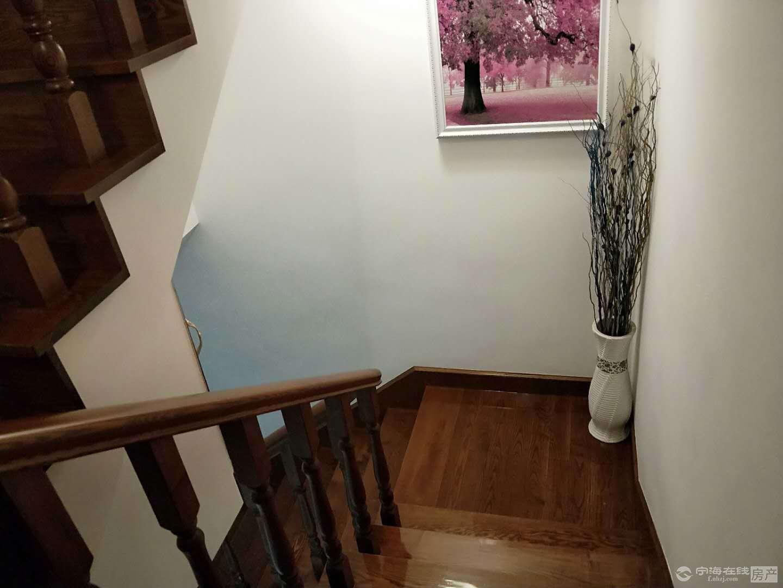 出售 提树铺西小区 一幢4.5层落地 全新水曲柳实木装修 可做婚房
