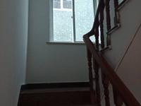 出售堤树1幢4.5层4室2厅3卫165平米152万住宅
