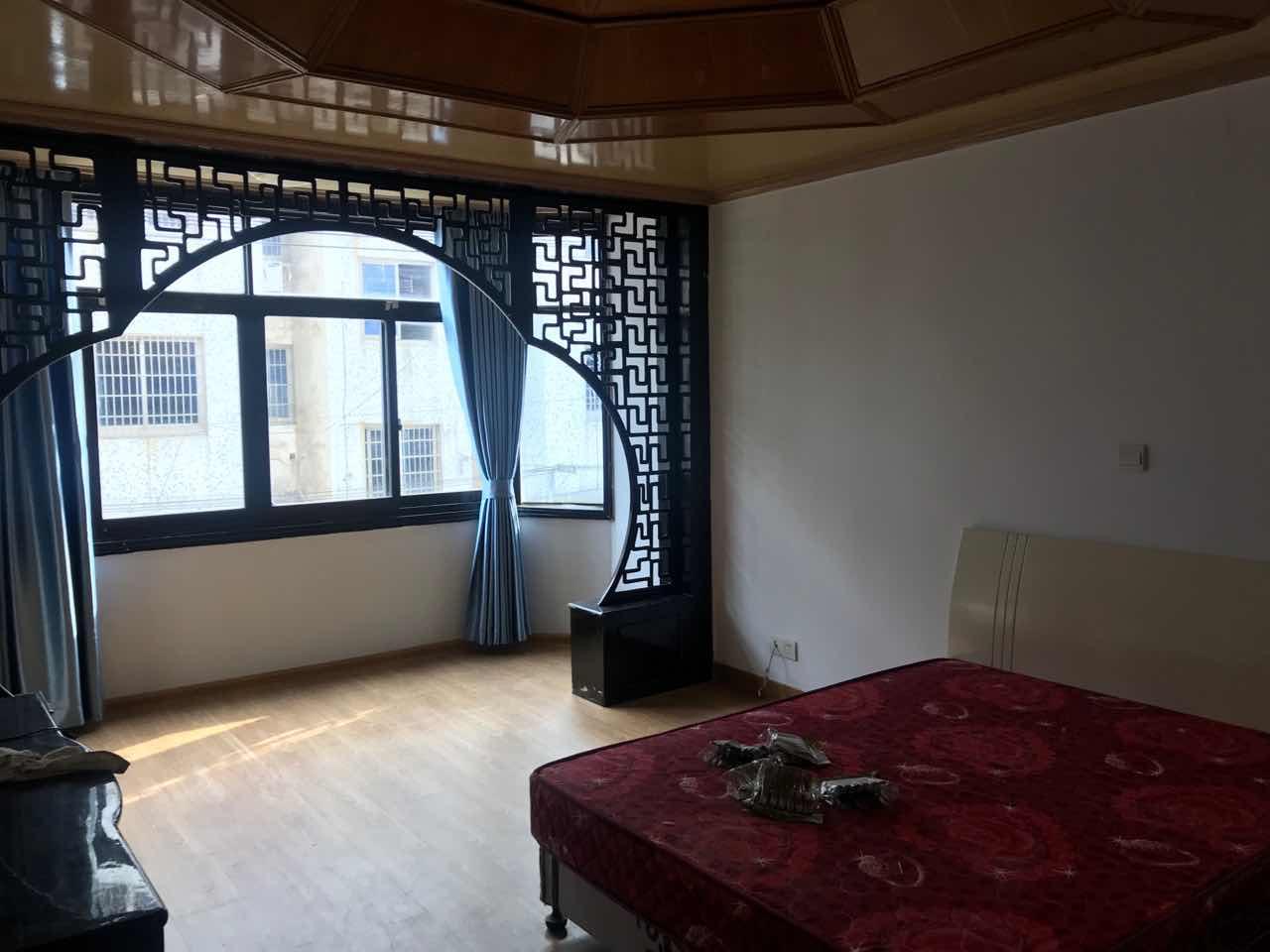 西子国际旁有宾馆式出租房,厨、卫、浴、床、柜、电器一应俱全