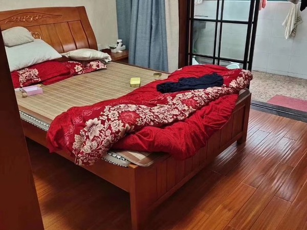 出售兴海家园3室2厅2卫120平米136万住宅