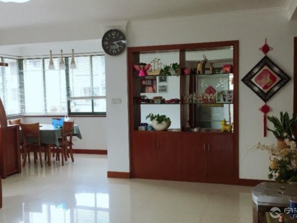 出售兴海家园3室2厅2卫124平米150万住宅