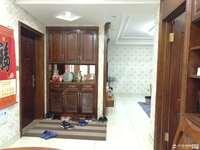 潘中学区房海锦苑,108平方 储藏室,层佳,实木精装修,三室二厅二卫,162万。