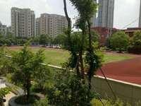 出售学东家园西灿,学区好,4室2厅2卫叫介145平米175万住宅