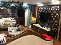 出售兴海家园4室2厅2卫158平米192万住宅