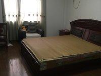华庭家园3室2厅2卫32000一年包物业,有储藏室