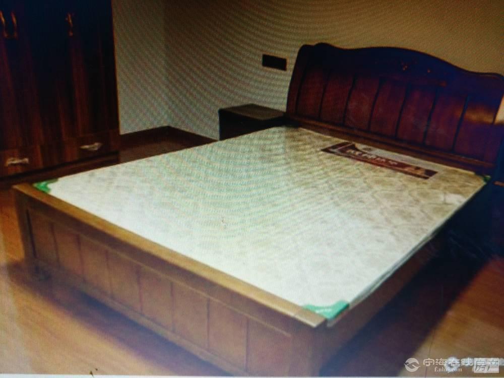 出租兴宁小区3室2厅2卫拎包入住35000一年