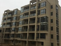 出售湖东花园东边向阳花园131平米十储145万住宅