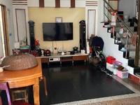 出售淮河路2间3.5层街面7室2厅3卫220平米350万住宅
