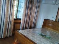 出租银菊小区旁丁香巷落地房一间20平米650元/月住宅