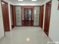 出售华山花园4室2厅2卫138平米十大车库178万住宅