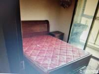 出租怡惠路1幢3层半4室1厅2卫108平米家电齐全28000一年