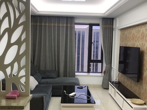 出租西子国际多套在77平方2室2厅1卫精装修拎包入住4万一年钥匙在