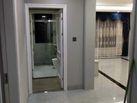 出售竹海中庭4室2厅2卫138.12平米210万住宅
