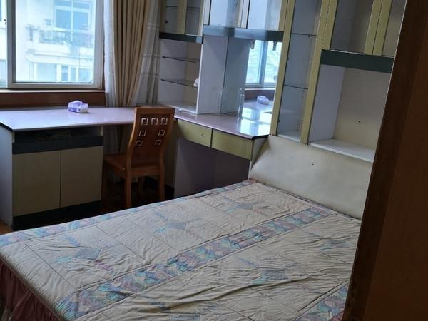 出租静苑小区3室1厅1卫120平米2600元/月住宅