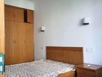 出售东门74平方一楼带道地,实用面积大,叫价108万可直接入住