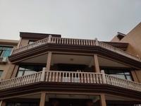 出售花山村5室3厅5卫占地面积137平米180万住宅
