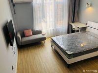出租华山居联排别墅里的一间时尚简欧宾馆式房间拎包入住1300元/月