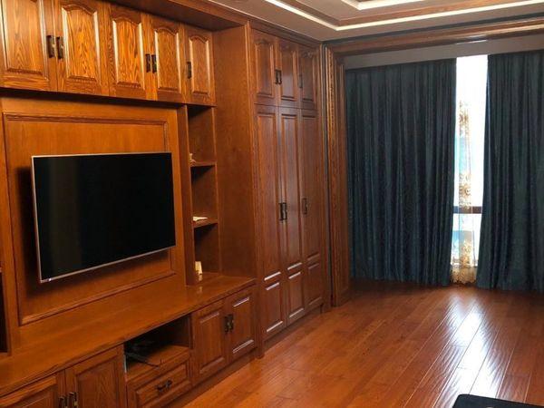 森林西平路二幢联排别墅,248平方加架空层121平方,豪华装修100多万,价格