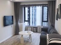 出租西子国际2室1厅1卫77平米4万一年白色现代拎包入住