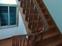 实验小学边二幢三层半清爽装修213平米346万住宅