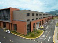 急售宁东模具园一期厂房四间二层,一通二有楼梯直上,有行车位层高6.5米厂房