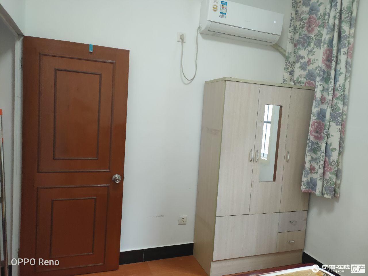 出租北斗星辰后面1室1厅1卫30平米1000元/月住宅