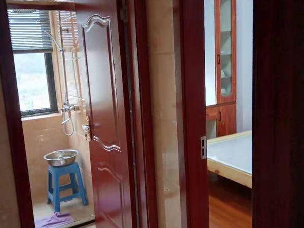 出租东景花园2室2厅1卫85平米2500元/月住宅
