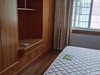 出租静苑小区3室2厅2卫135平米3180元/月住宅