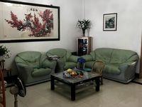 出租静苑小区3楼,拎包入住,有储藏室,西子国际对面,非中介