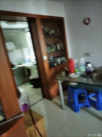 急卖兴海家园3室2厅2卫119平米装修看照片156万万住宅